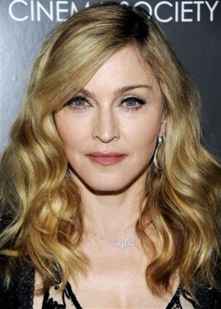 20111205-pictures-madonna-we-screening-moma-new-york-02