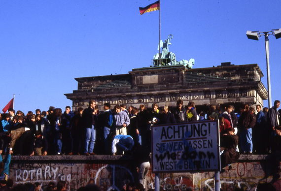 The-Gay-Guide-Network-Brandenburger-Gate-1989